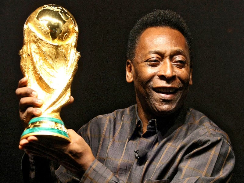 brazilian legend pele in intensive care. Black Bedroom Furniture Sets. Home Design Ideas