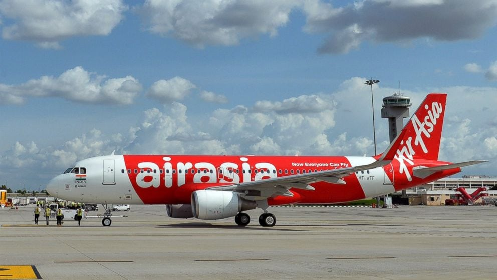 AirAsia flight 8501 missing with 162 on board