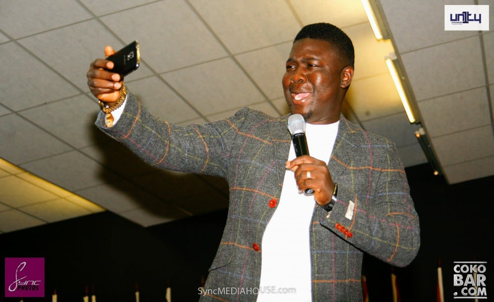 Seyi Law performing at the COCO Bar in London