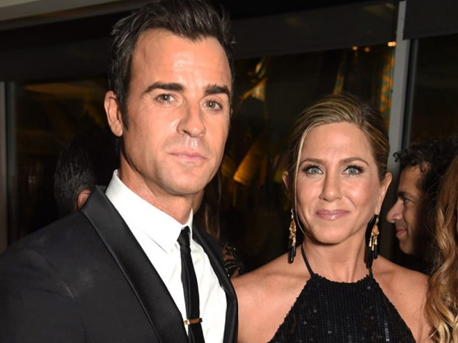 Jennifer Aniston and Justin Theroux | Photo credit: hollywoodlife.com