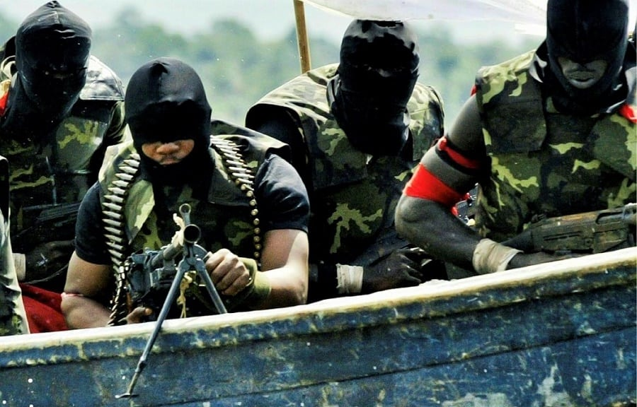 niger delta militants destroys oil facilities in delta state