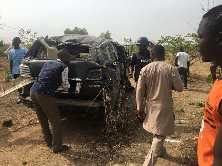 At the accident scene where the minister of labor, wife and son died