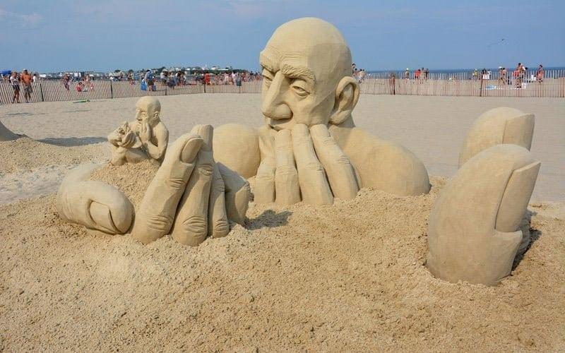 infiniti sculpture