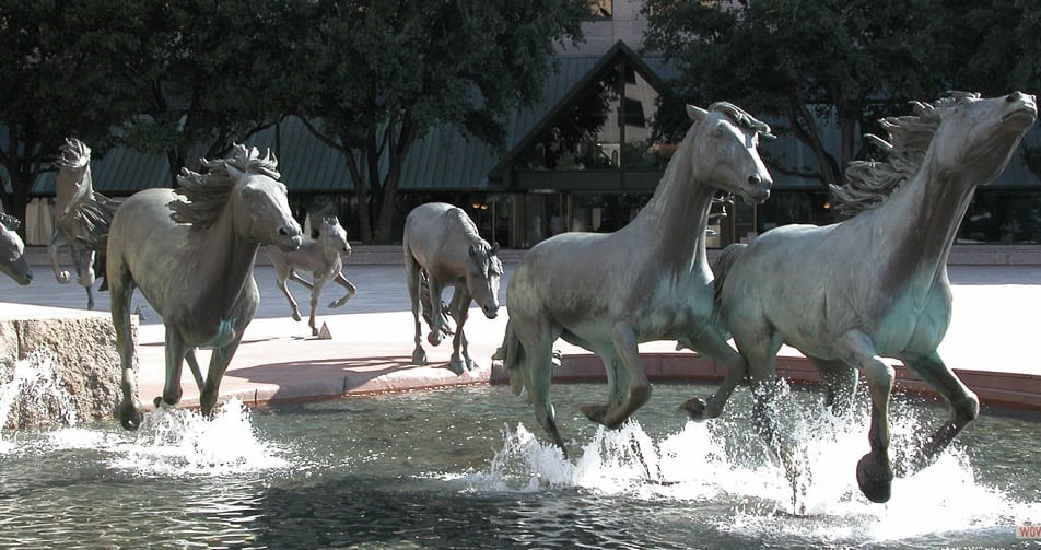 mustangs sculpture