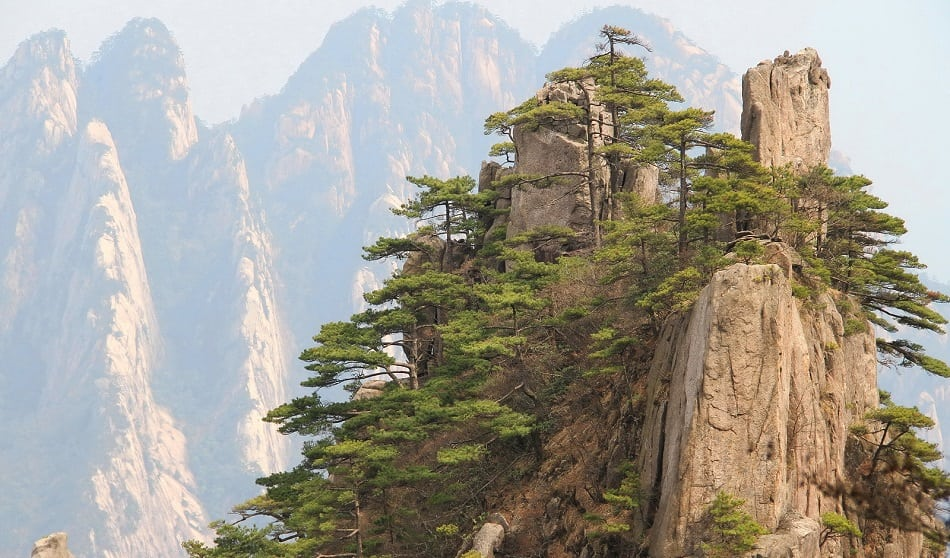 A view of the world famous peaks of Huangshan
