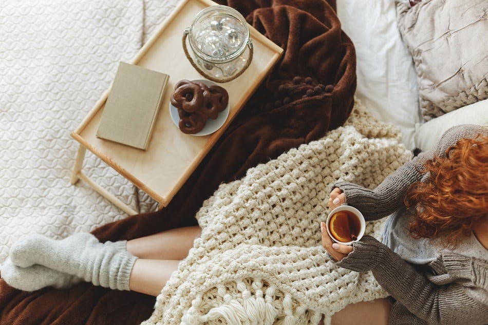 blankets hygge style