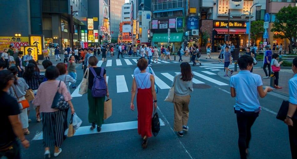 no jaywalking in Japan